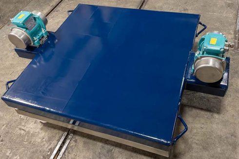 Rotary Electric Vibrator on vibrating table