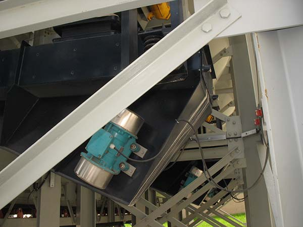 Rotary Electric Vibrator on Vibratory Equipment